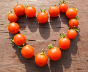 heart made from small tomatoes